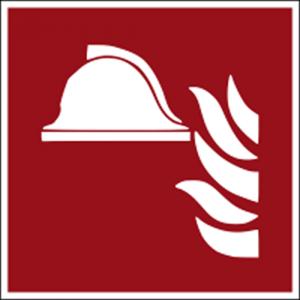 Hinweisschild mit Brandschutzzeichen F004 Mittel und Geräte zur Brandbekämpfung nachleuchtend