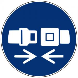 Gebotszeichen M020 Rückhaltesystem benutzen